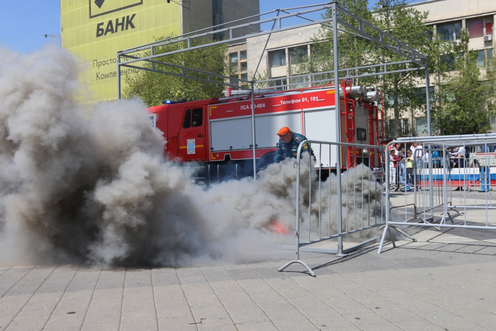 День пожарной охраны - 370 лет. Детский праздник