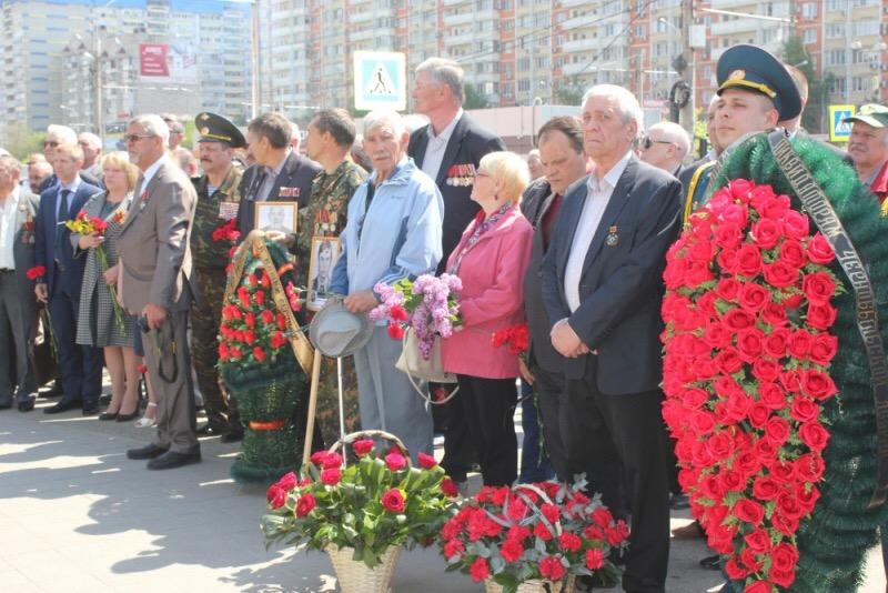 Сотрудники МЧС России возложили цветы к памятнику ликвидаторам аварии на Чернобыльской АЭС