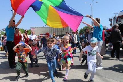 На Главной городской площади Краснодара отметили 370-летие Пожарной охраны