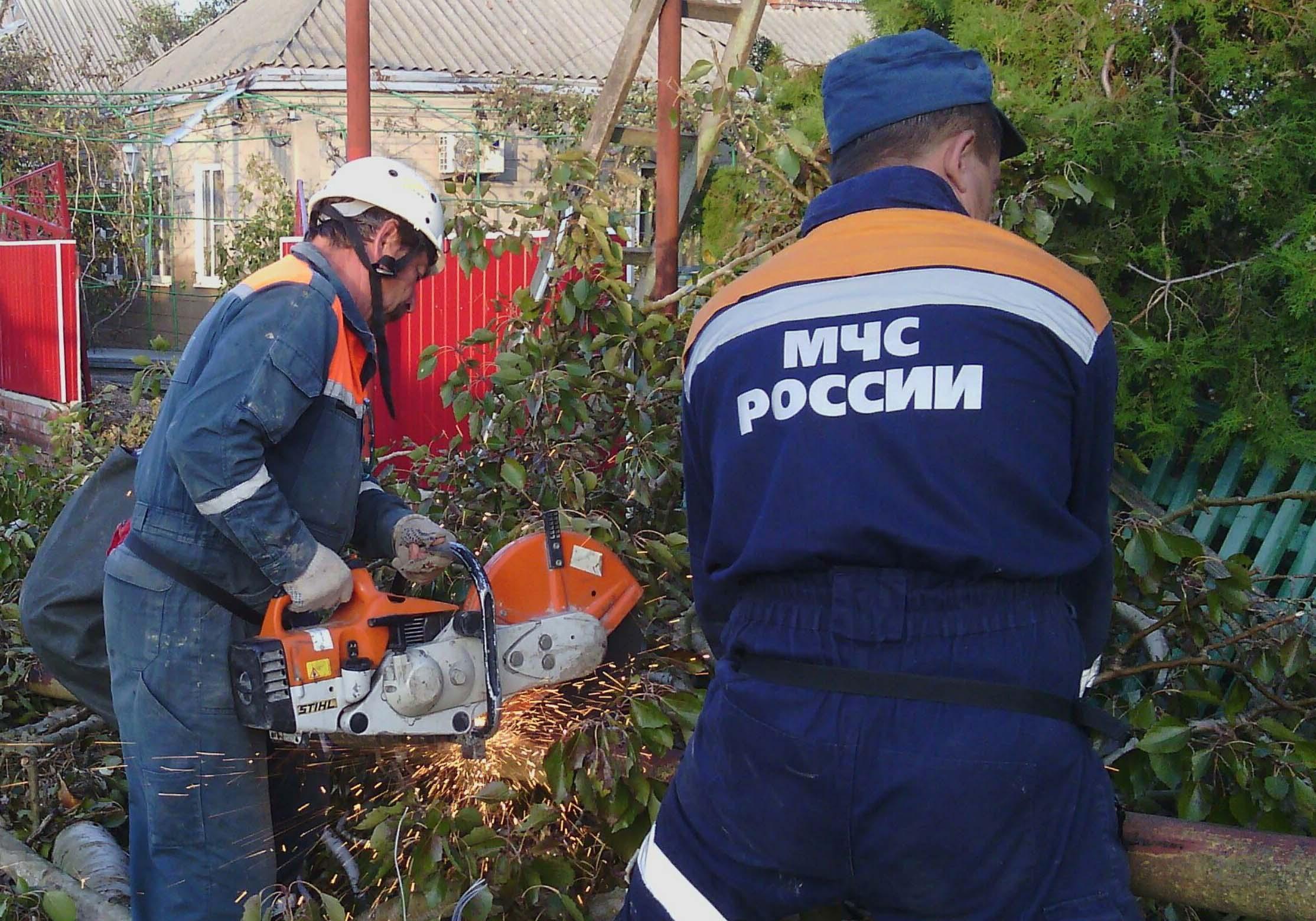 Спасательная операция и ликвидация последствий ЧС в Ейском районе