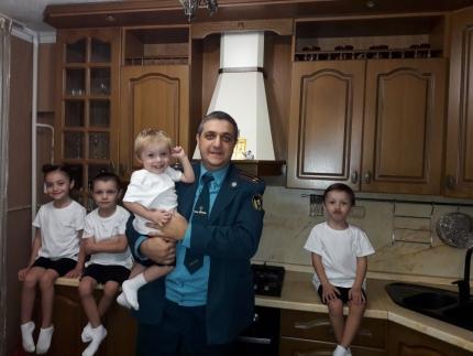 Социальные выплаты - значительное подспорье многодетным семьям МЧС России