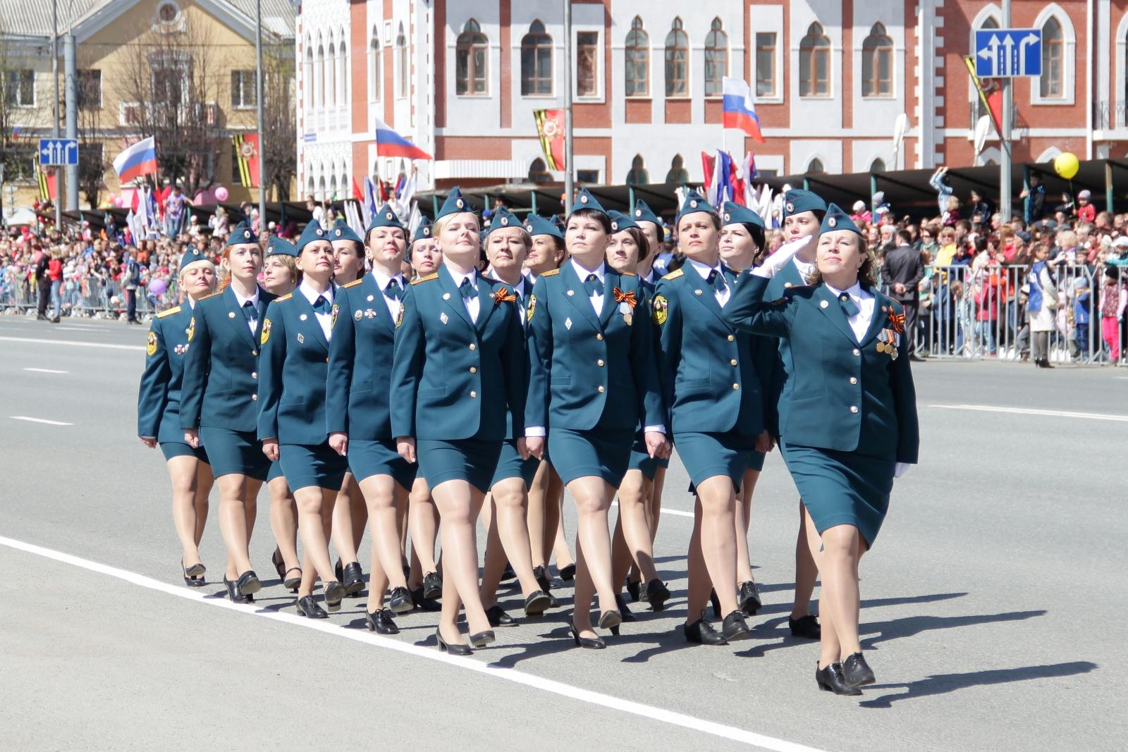 Сотрудники МЧС приняли участие в Параде Победы