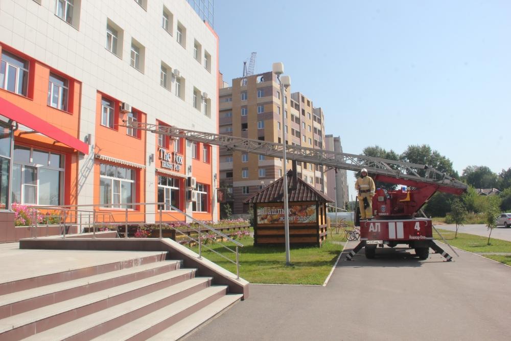"""Пожарно-тактические учения на здании """"Спорткомплекса № 1"""""""