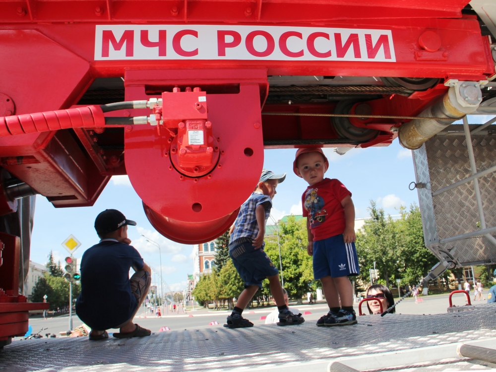 Сотрудники МЧС обеспечили безопасность празднования 432-летия города Йошкар-Олы