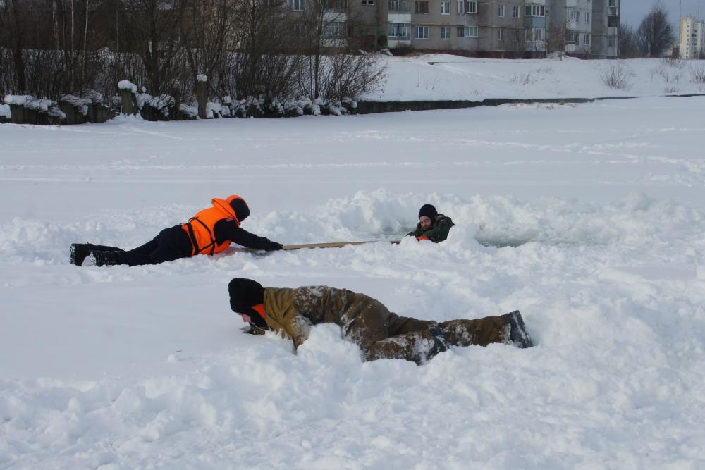 Занятие по безопасности на воде в зимний период (пляж Южный в Йошкар-Оле)