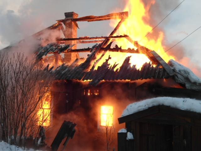 Пожар в Параньге 10 января 2013 года