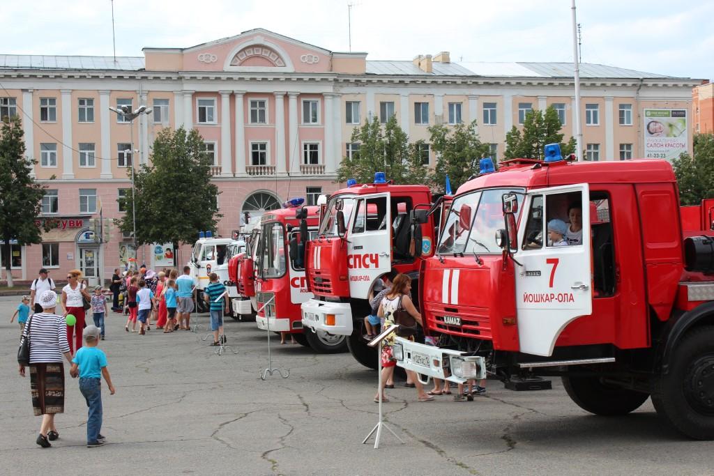 В Йошкар-Оле сотрудники МЧС приняли участие в Дне города