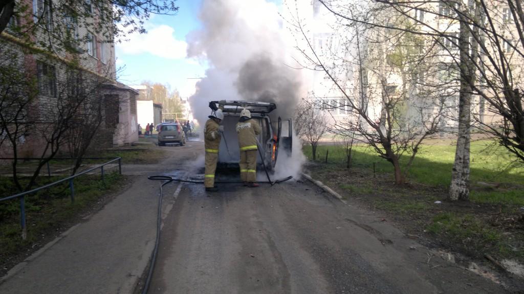 Пожары в авто (6-7 мая 2013 г.)