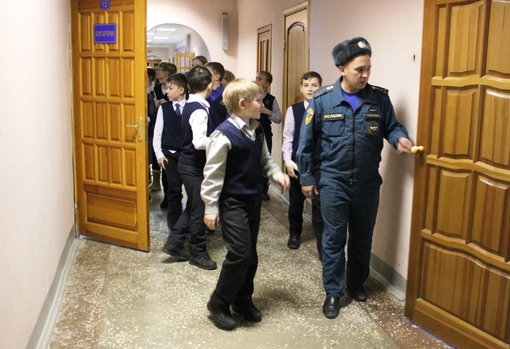 Экскурсия учащихся гимназии № 4 им. Пушкина в СЧ-13