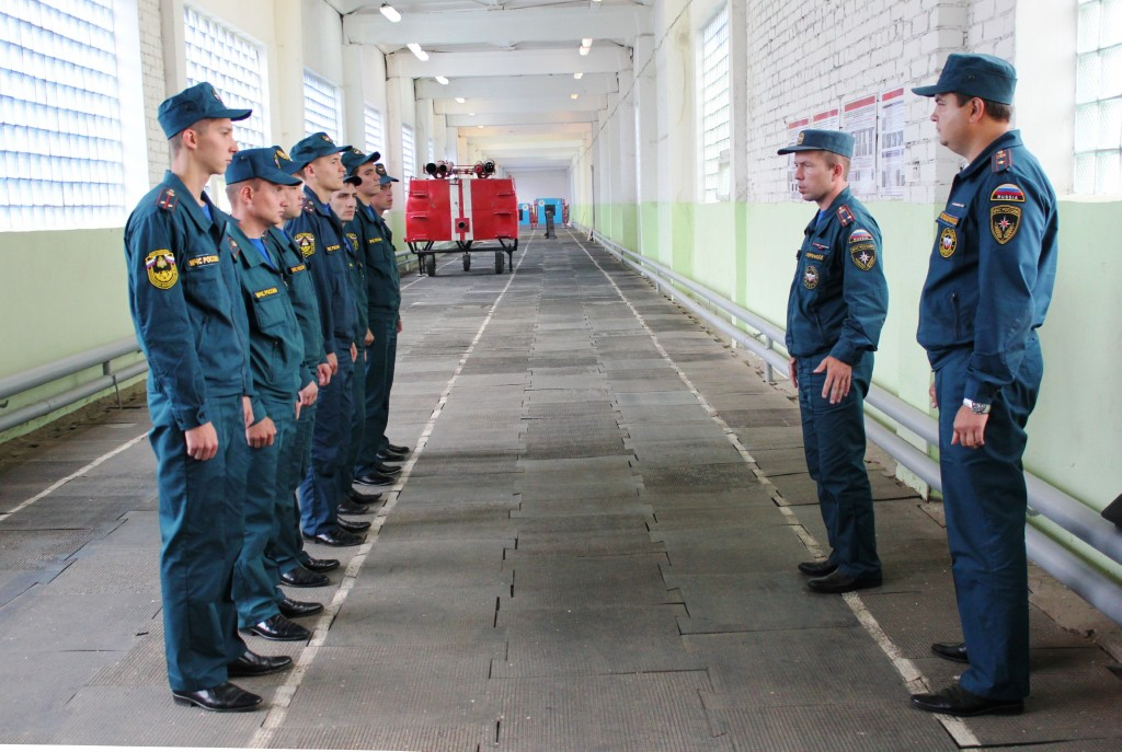 Занятия с молодыми специалистами -  выпускниками вузов МЧС 2013 года