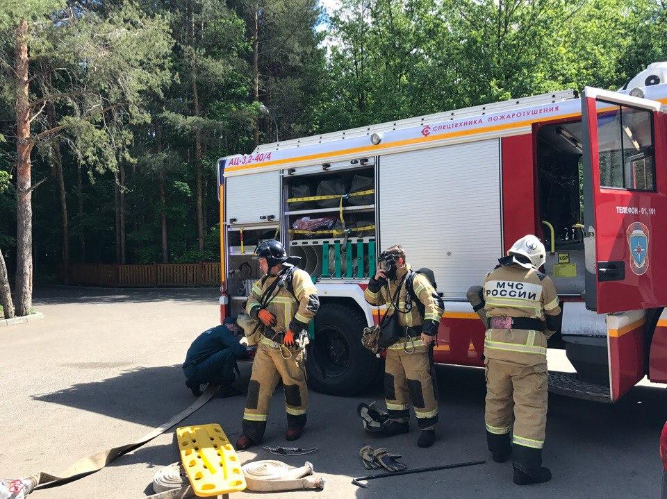 В оздоровительном комплексе прошло пожарно-тактическое занятие.