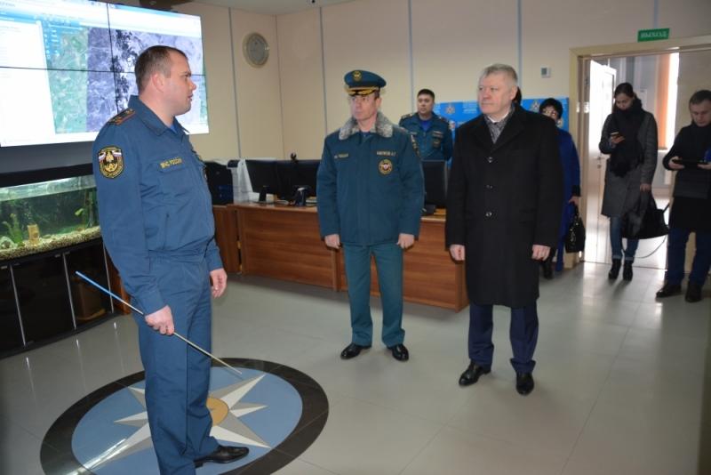Депутат Госдумы посетил подразделения МЧС