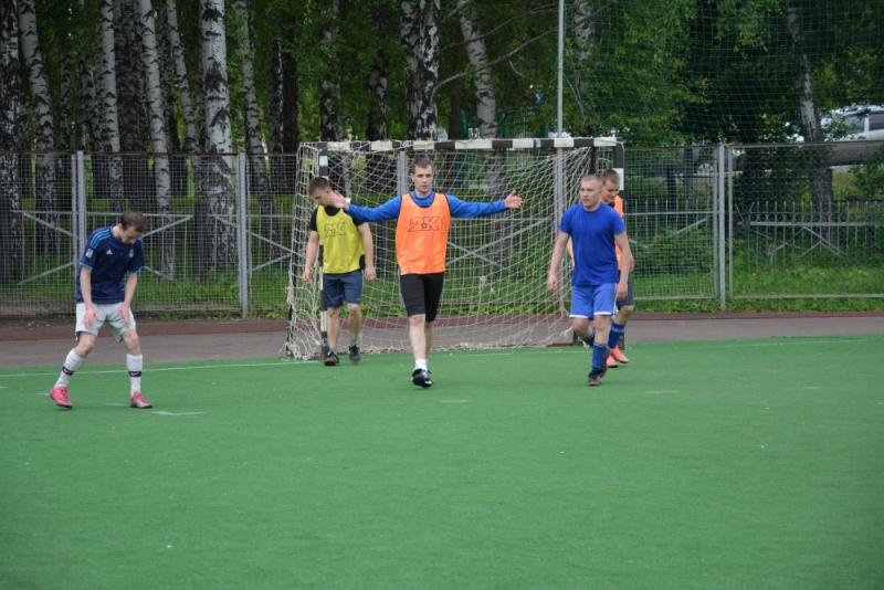 Турнир по мини-футболу к Году гражданской обороны