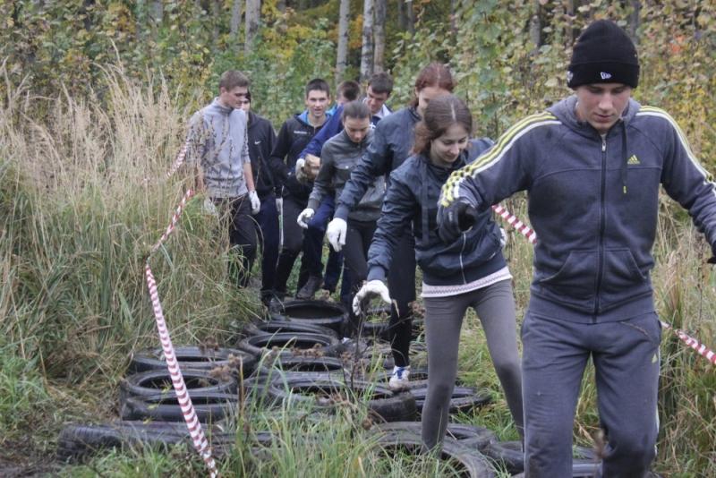 Полоса препятствий от МЧС на фестивале студенческого спорта
