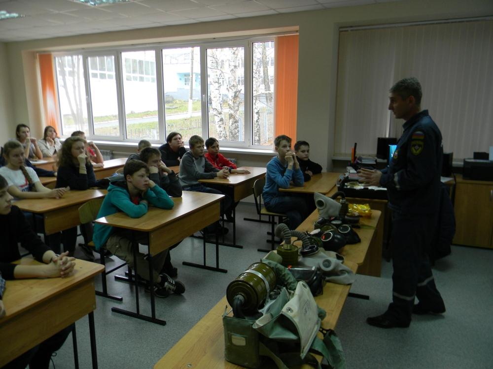 Занятия с юнармейцами по гражданской обороне
