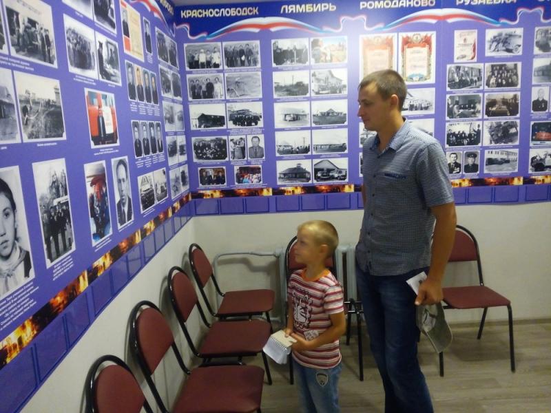 Пожарные тоже с удовольствием посещают пожарный музей