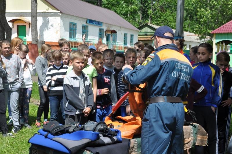 Спасатели в детском лагере им.Дубинина