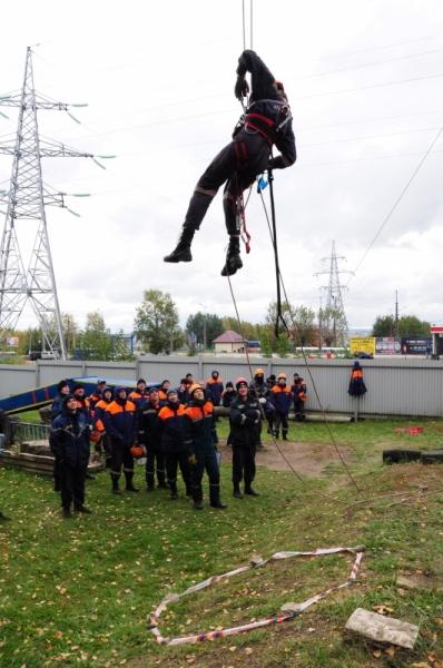 Спасатели соревновались на высоте