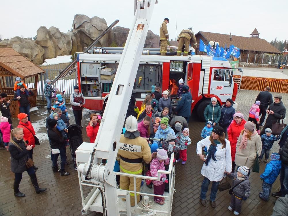 И пожарных, и ребят ждет Удмуртский зоосад