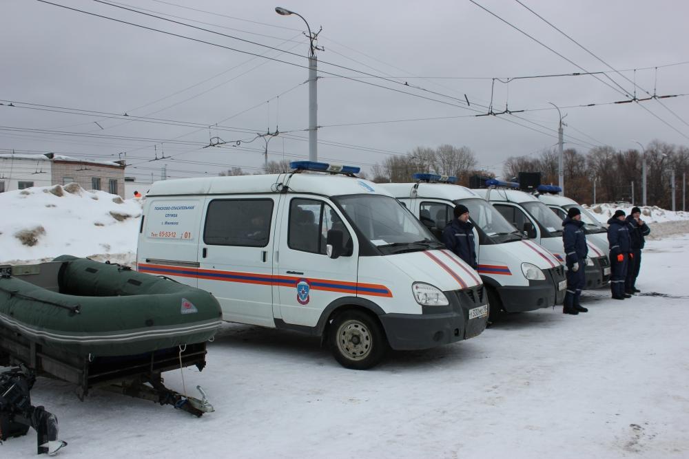 Смотр группировки сил и средств г.Ижевска