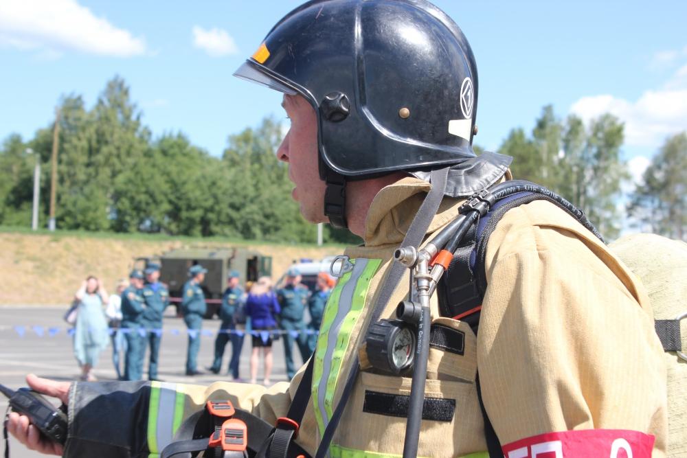 Пожарно-тактические учения в торговом центре города Ижевска