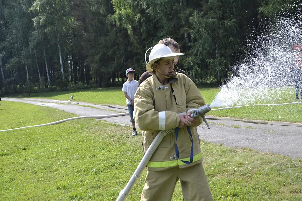Пожарная эстафета в ДОЛ «Ёлочка»