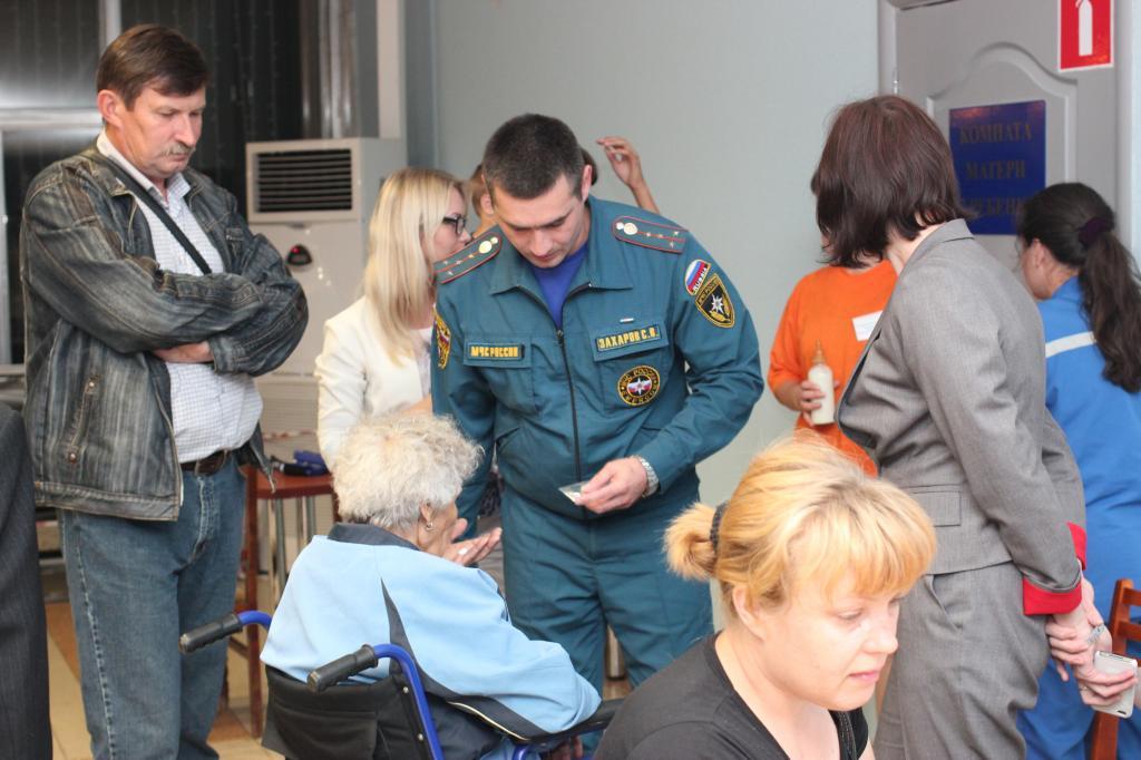 Самолет МЧС России Ил-76 доставил более ста граждан Украины в Удмуртию