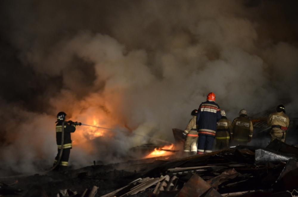 08.05.2018 Ликвидация пожара в производственном цехе в г.Арамиле