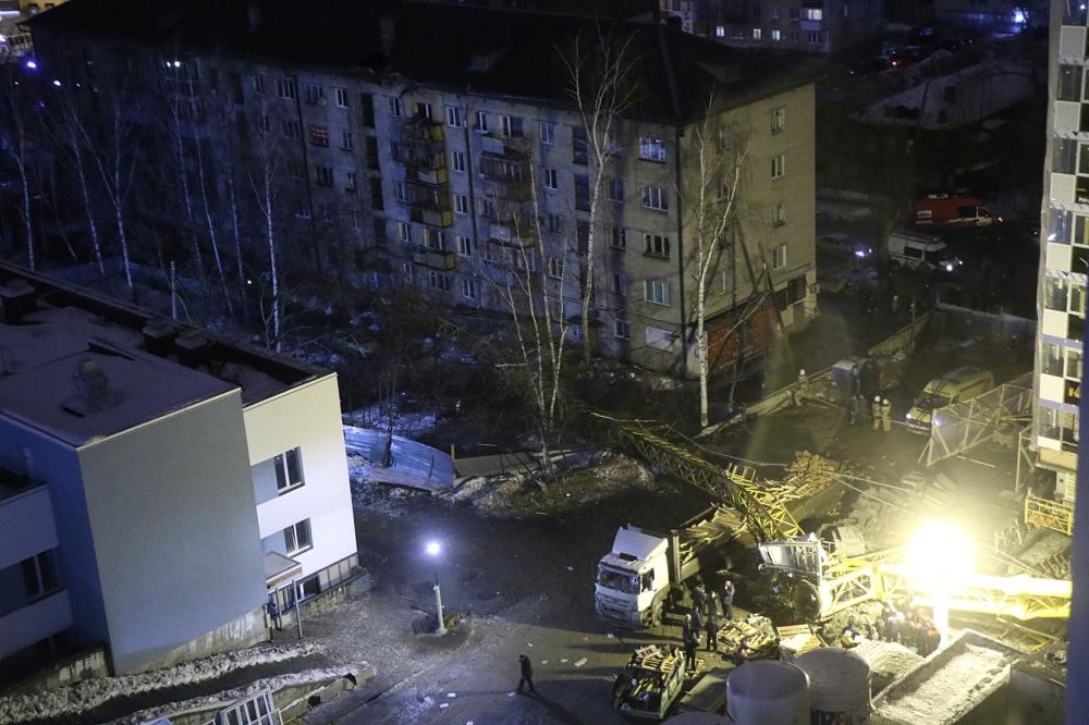 26.02.2016 Ликвидация последствий падения крана на жилой дом в г.Екатеринбурге