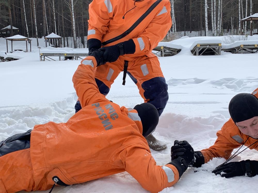 25.02.2019 Учебное занятие СПСЧ по спасению утопающих на льду