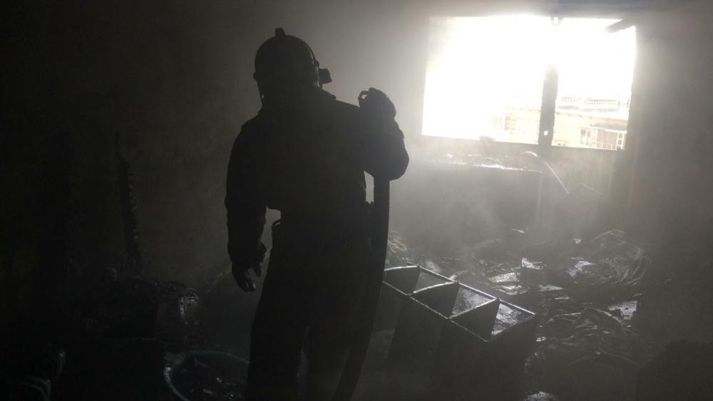 01.05.2018 Ликвидация пожара в жилом доме в пер.Черноморском в г.Екатеринбурге