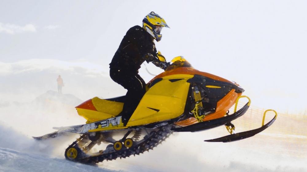 Правила безопасности при управлении снегоходом