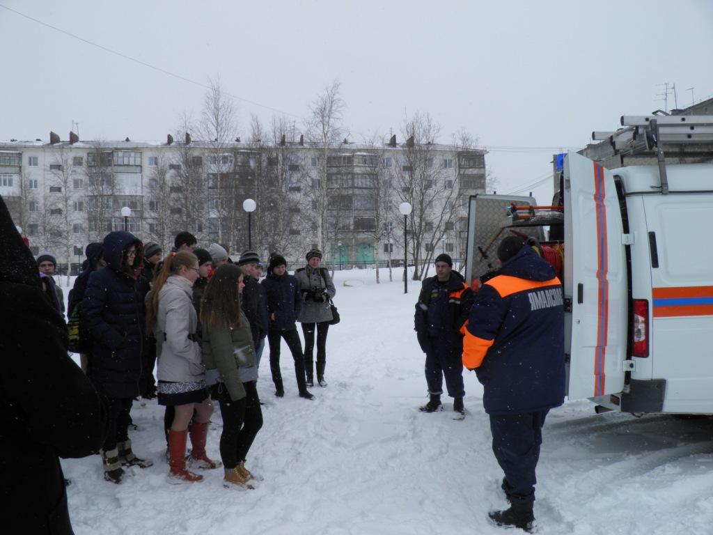 """Всероссийский урок по """"Основам безопасности жизнедеятельности"""" в г. Надым"""