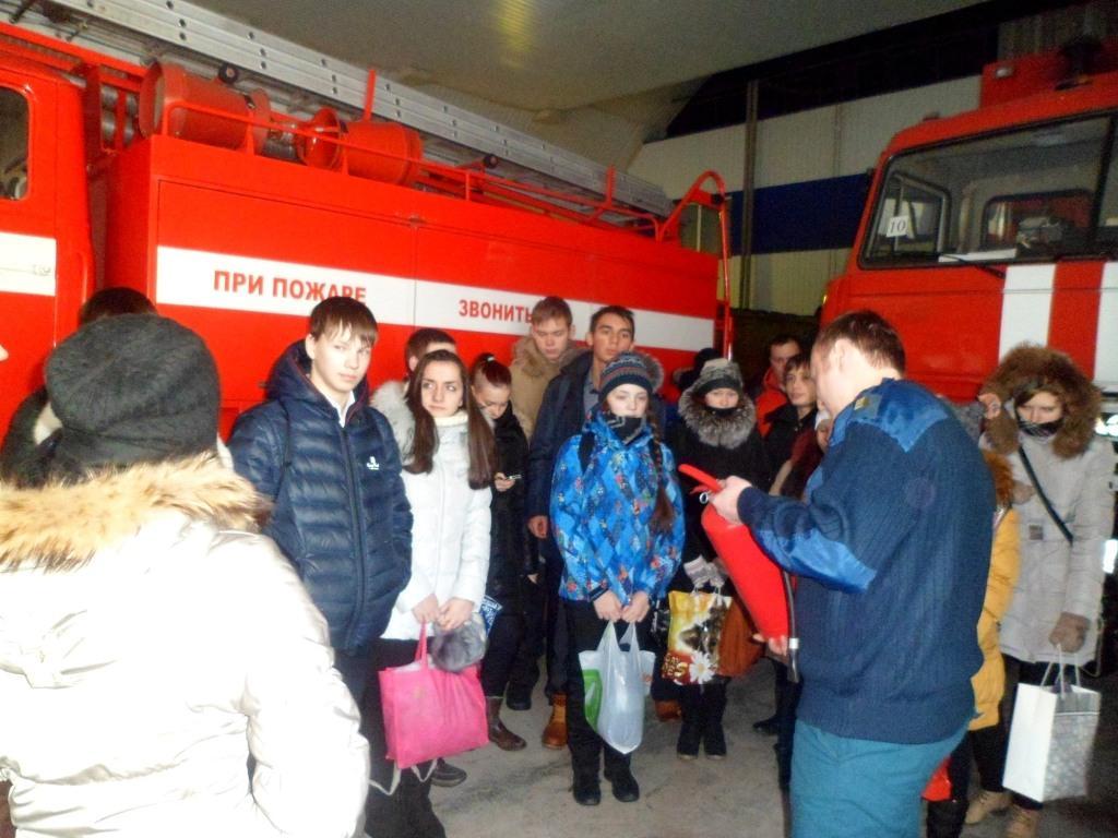 Восьмиклассники побывали в пожарной части Тарко-Сале