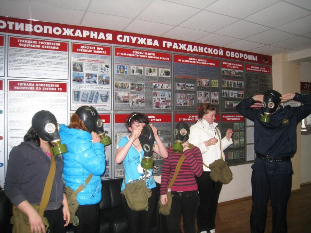 Таркосалинские огнеборцы проводят экскурсии для школьников