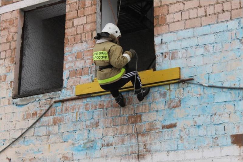 Учебный сбор с учащимися профильного класса «Юный пожарный» МБОУ Гимназия №5 г.Кызыла
