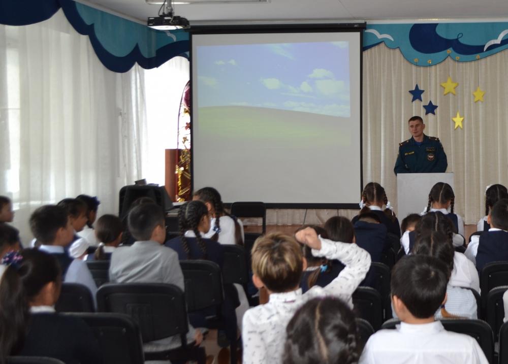 В школах Тувы проходят открытые уроки по основам безопасности жизнедеятельности