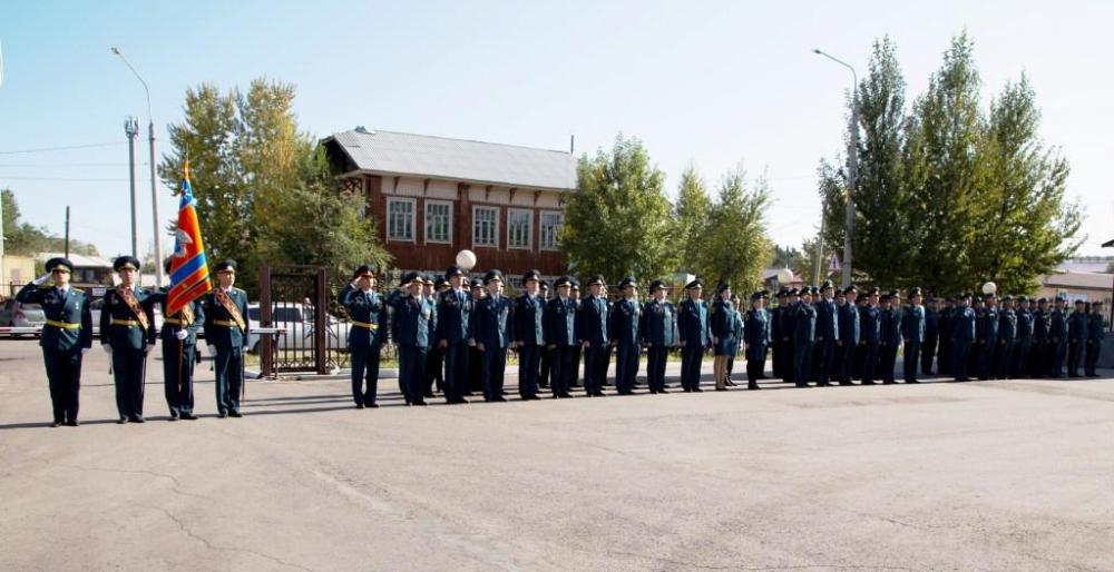 В Туве прошло торжественное мероприятие, посвященное 87-ой годовщине со дня образования Гражданской обороны России (ФОТО).
