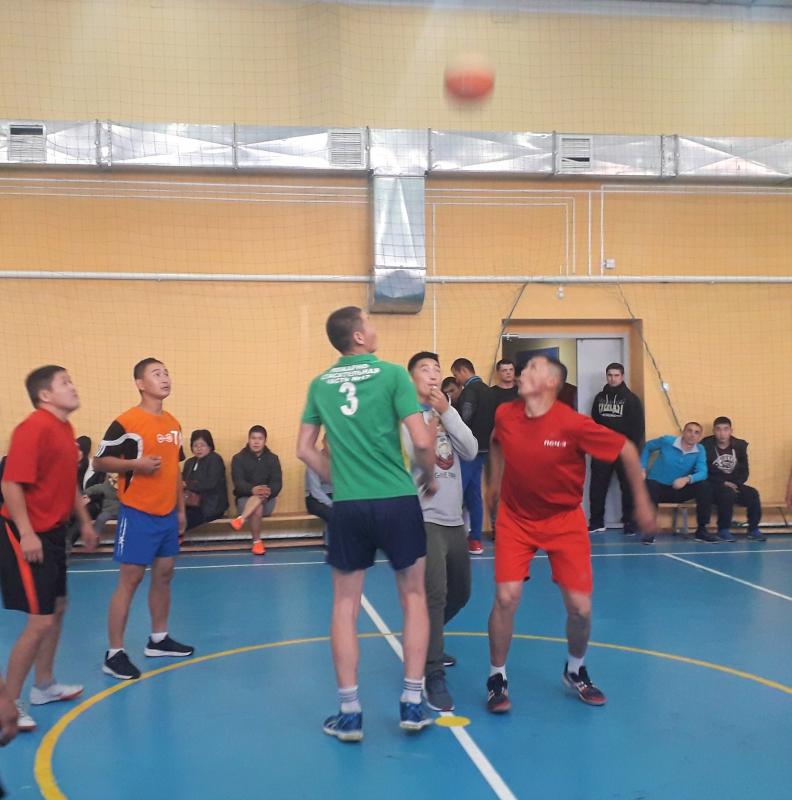 Сильнейшие по баскетболу среди команд пожарно-спасательных частей в Туве - спортсмены Барун-Хемчикского района.