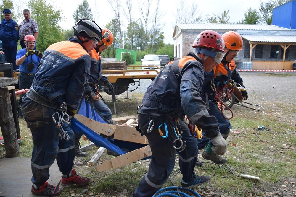Первые областные открытые соревнования на звание «Лучшая команда Кемеровской области по проведению аварийно-спасательных работ в 2016 году»