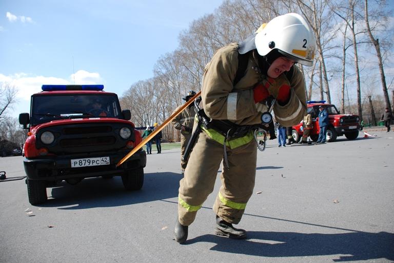 """Первые соревнования по пожарному и спасательному многоборью """"Кроссфит"""""""