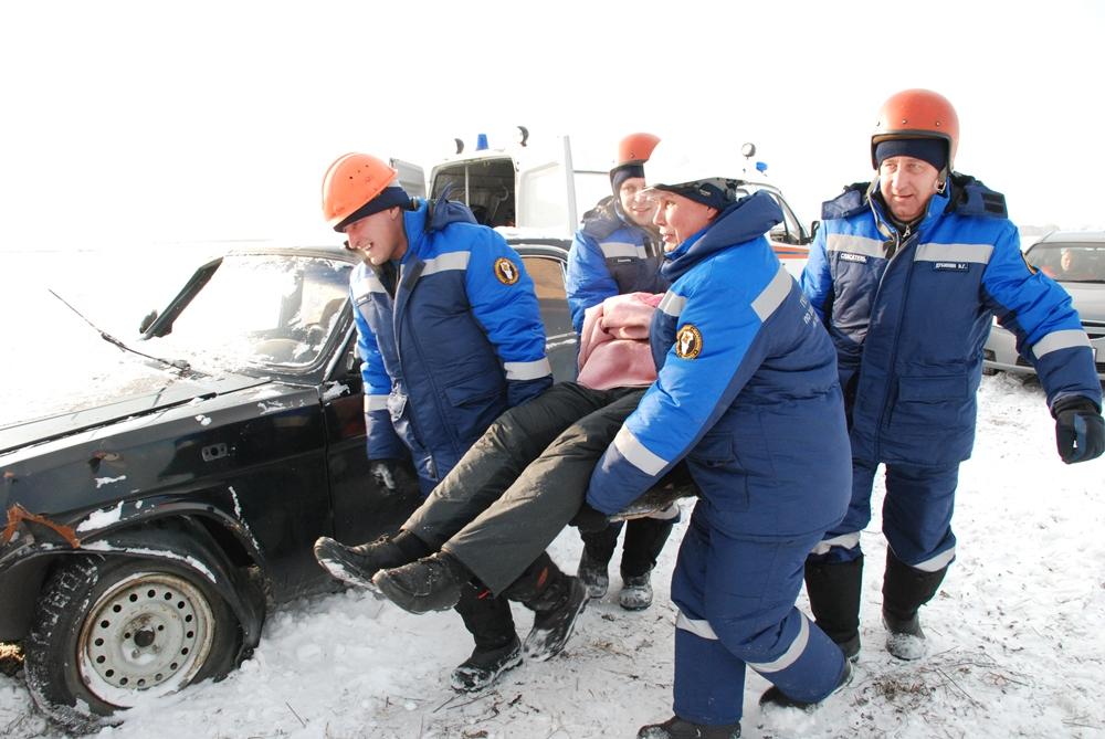 Тактико-специальное учение по ликвидации последствий чрезвычайной ситуации на дорогах, обусловленной снежными заносами В Кемерове 10.11.2016