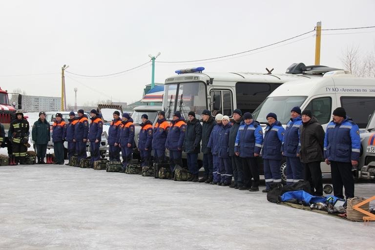 Смотр сил и средств Главного управления МЧС России по Кемеровской области при подготовке к паводку