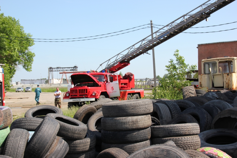 Пожар в производственном цеху в Кемерово