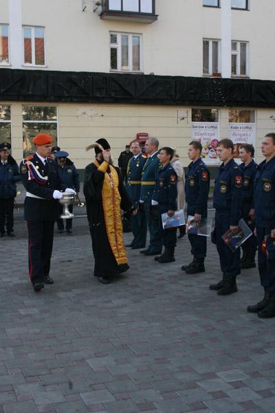 """Приведение кадетов ГОУ """"Кадетский корпус МЧС"""" к торжественному обещанию - 1 октября 2011 года."""