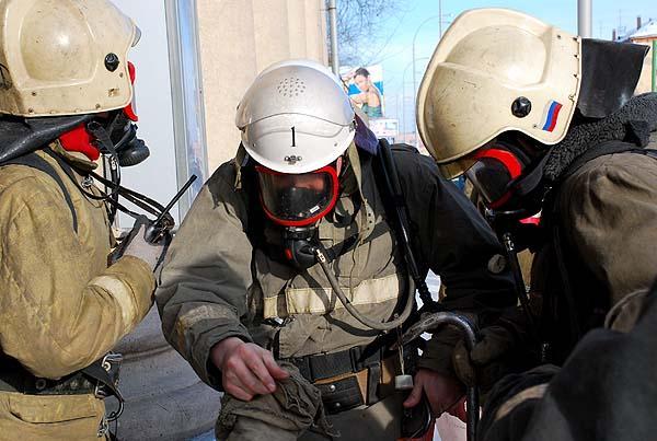 Пожарно-тактические учения на областной библиотеке им.Федорова