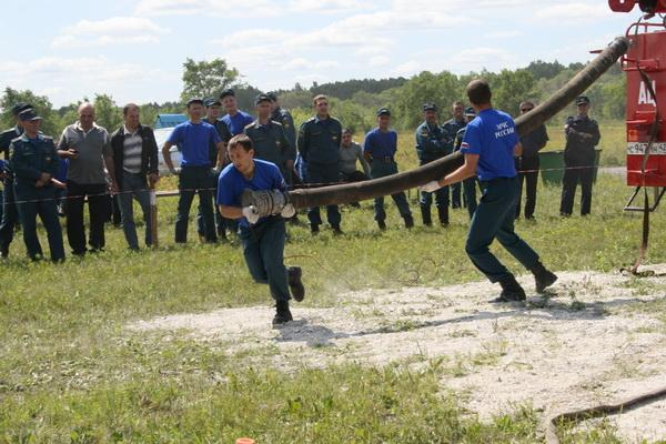 Соревнования среди водителей пожарных автомобилей. г.Белово. 22 июля 2011 г.
