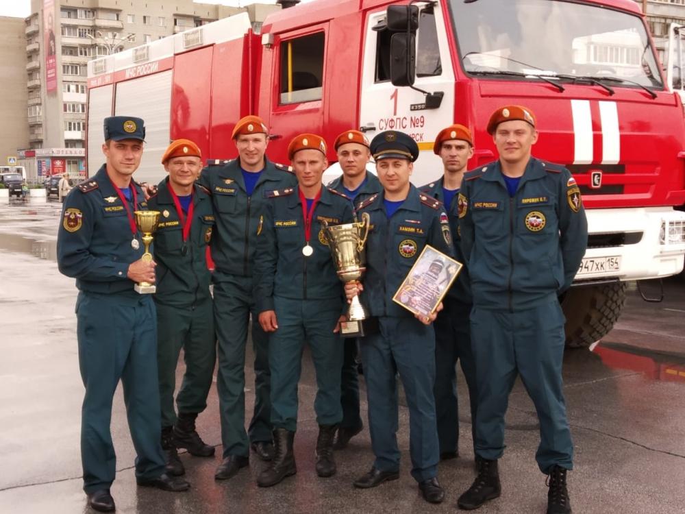 В Бердске состоялись соревнования по пожарно-спасательному многоборью