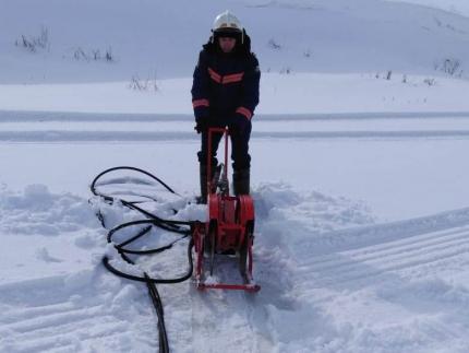 Противопаводковые работы: спасатели завершают пиление льда на реках Новосибирской области