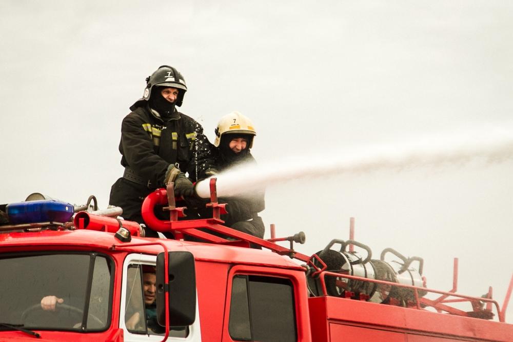 Состязания огнеборцев по пожарному биатлону